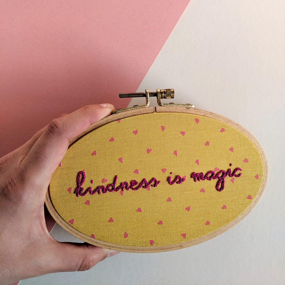 Kindness is magic borduurwerk