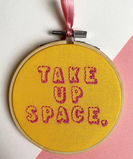 take up space borduurwerk