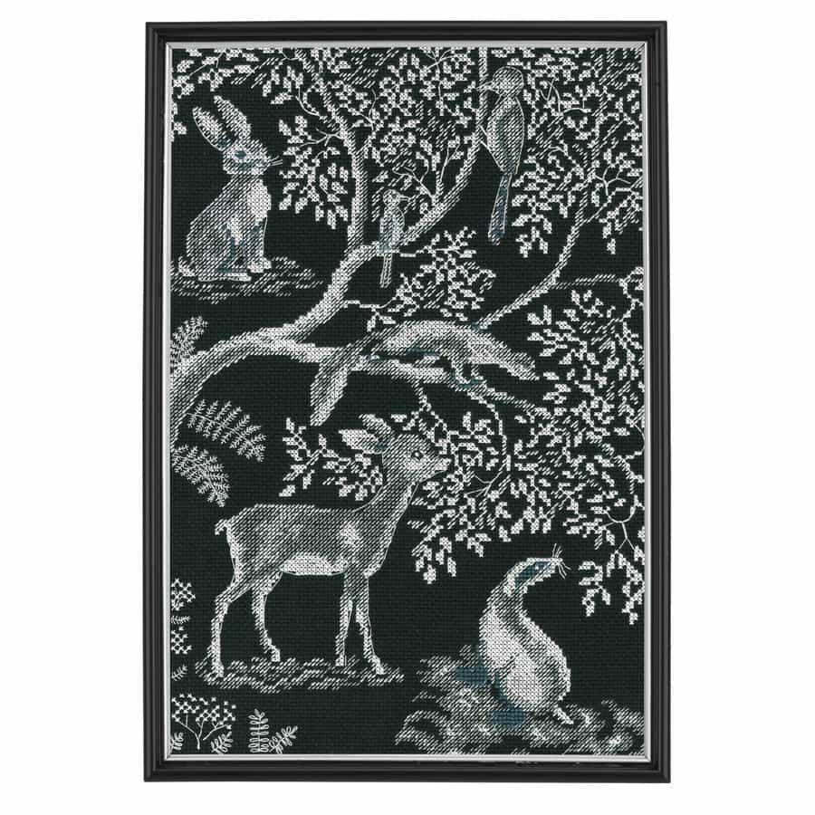 Forest Laces RTO borduurpakket met zwarte stof