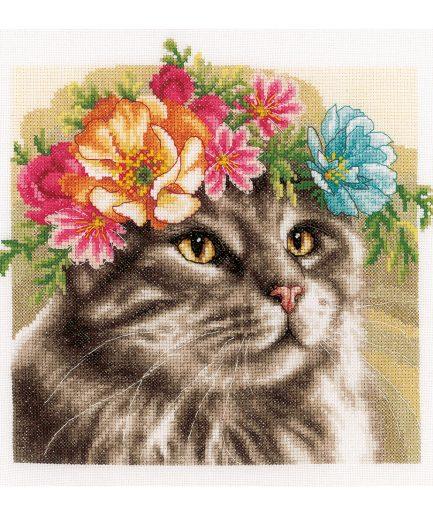 Kat met bloemenkrans borduren maine coon