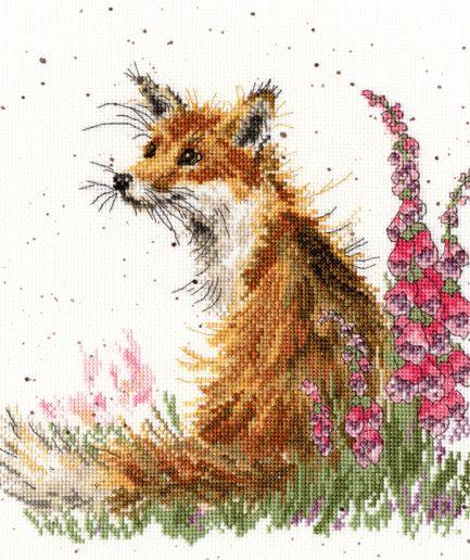 Bothy Threads borduurpakket vos amongst the foxgloves